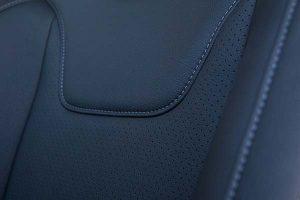 Ford-Focus-Buffalino-Leder-Zwart-Geperforeerd-Voorstoel-300x200