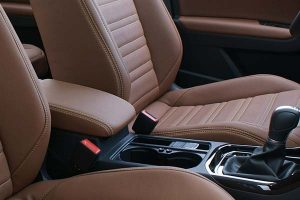 Volkswagen-Touran-Eco-leather-Kaneelbruin-Detail-300x200