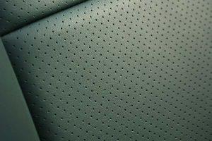 Ford-Mustang-Buffalino-Leder-Groen-Perforatie-300x200