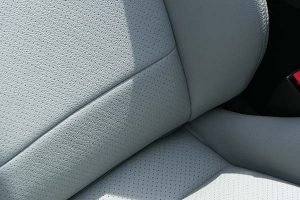 Mazda-MX5-Eco-leather-Titaniumgrijs-Detail-300x200