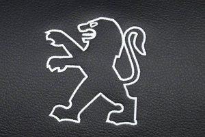 Borduring-Logo-Peugeot-Wit-Stiksel-300x200