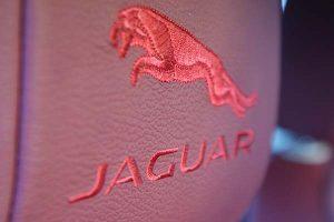 Jaguar-X-Type-XE-Buffalino-Leder-Bordeaux-Geborduurd-Logo-300x200